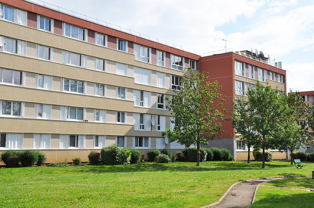 Location appartement 3 pi ces gaillon eure habitat for Piscine de gaillon